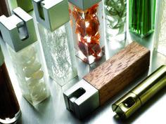 Dale un toque personal a tu persiana. Elementos decorativos. Tassels. Contrapesos. Imitación piel y mármol. También hay de madera, metal, acrílico y con contenido.