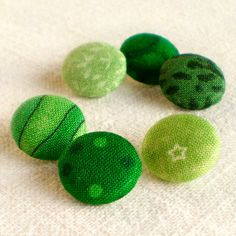 Fabric Buttons - Everything's Going Green - 6 Small Emerald Leaves and Dots Fabric Covered Buttons #st #patricks #craft #decor #ideas www.loveitsomuch.com