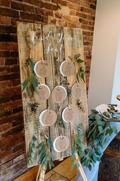 Rustic wooden table plan for weddings and events with Kraft card circular weddin. Rustic wooden table plan for weddings and events with Kraft card circular wedding table plan cards, greenery and modern . Wooden Table Diy, Wooden Decor, Diy Table, Wedding Signs, Wedding Cards, Diy Wedding, Wedding Rustic, Wedding Ideas, Trendy Wedding