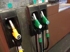 Savez-vous qu'il existe des petits moyens techniques pour économiser de l'essence, lors de son remplissage à la pompe ? Voici 5 astuces simples à mettre en place.