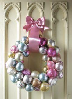Plush Palate: DIY Christmas Wreath!