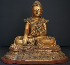 burmese gold artifacts and buddhas | Vipassana, la voie birmane de la méditation : tradition et marketing ...