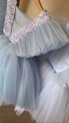 Girls Frock Design, Baby Dress Design, Baby Girl Dress Patterns, Baby Girl Frocks, Frocks For Girls, Kids Frocks, Cute Girl Dresses, Little Girl Dresses, Baby Girl Birthday Dress