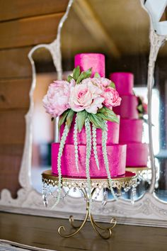 Shiny Gold & Black Elegance! Create a dazzling wedding dessert table with Opulent Treasures collection of gorgeous cake stands!