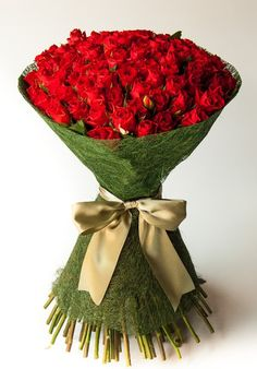 Bespoke Bouquet provides only the freshest flowers that are exquisitely presented. Order your flowers online with our premium delivery services in South Africa. 100 Roses, Roses Only, Rose Delivery, Flower Delivery Service, Hand Tied Bouquet, Rose Bouquet, Love Fortune Teller, Flower Bouquet Delivery, Happy Girl Quotes