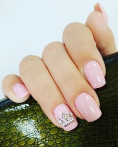 52 Majestic Nail Art Designs That Will Make You Look Like Royalty Crown Nail Art, Crown Nails, Disney Princess Nails, Disney Nails, Princess Nail Designs, Cute Nails, Pretty Nails, Baby Shower Nails, Instagram Nails