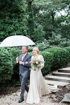 Real Wedding Ronni+Pete   Dress: Carol Hannah Kyanite   Photography: Kacie Lynch Photography    Florals: Amanda Burnette Flowers