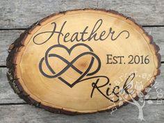 Heart Script Names Infinity Custom wood sign wedding gift - Wooden Artifacts Wood Burning Crafts, Wood Burning Patterns, Wood Burning Art, Wood Crafts, Wood Burn Designs, Pyrography Patterns, Wood Wedding Signs, Custom Wood Signs, Wood Ornaments