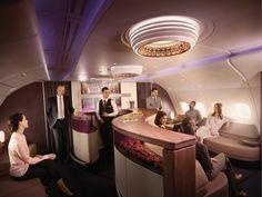 O lounge do A380 da @qatarairways torna destinos como Sydney, Melbourne, Guangzhou, London e Paris, via Doha, ainda mais incríveis! Com assentos confortáveis, internet wi-fi, opções de entretenimento e alta gastronomia, não é a toa que a Classe Executiva foi eleita a melhor do mundo de 2017! ✈️✈️✈️ #qatarairways #GoingPlacesTogether #trip #viagem