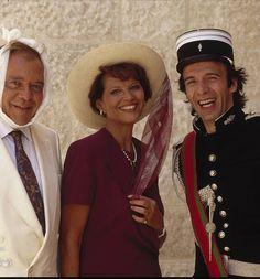 """Roberto Benigni, Claudia Cardinale and Herbert Lom in """"Il figlio della pantera rosa"""" (1993)"""