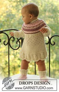 "BabyDROPS 18-13 - DROPS dress with pattern and raglan sleeve and booties in ""Alpaca"". - Free pattern by DROPS Design"