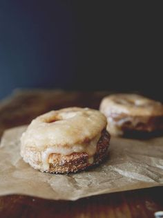 """(""""Cronuts"""" with frozen pastry dough--sign me up.) Puff Pastry Doughnuts with Cinnamon Sugar & Maple Glaze Just Desserts, Delicious Desserts, Yummy Food, Healthy Food, Cronut, Puff Pastry Desserts, Puff Pastries, Breakfast Recipes, Dessert Recipes"""