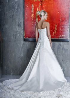 Style 8336 » Wedding Gowns » DaVinci Bridal » Available Colours : Ivory/Champagne/Silver, White/White (back)