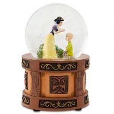 Disney Mini Snow White Snow Globe