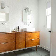 ♥♥♥ To jeszcze nie moja nowa łazienka, ale podobny efekt chcę w niej osiągnąć 😉☺ @cotton_badger taki mam plan☝☝😆 Photo via Pinterest