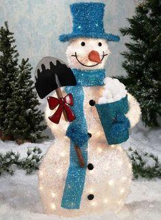 2013 outdoor Christmas snowman decor, creative LED snowman for Christmas, outdoor Christmas snowman decor #christmas #snowman #outdoor #decor www.loveitsomuch.com