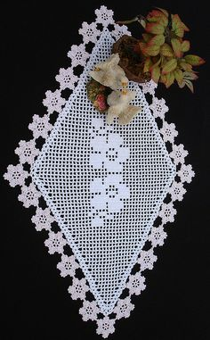 filet floral doily by ferosah