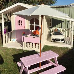 How cute😍😍 the Billie Cubby House and Carport. Billie Cubby and Ca… How cute – the Billie Cubby House … Backyard Playhouse, Backyard Playground, Backyard For Kids, Playhouse Ideas, Little Tikes Playhouse, Toddler Playhouse, Playhouse Decor, Wooden Playhouse, Kids Cubby Houses