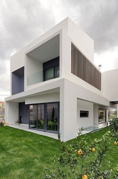 House in Gerakas by Office Twentyfive Architects Moderne Villa, Amazing Architecture, Modern Architecture, Residential Architecture, Facade House, Home Interior Design, Athens City, Greece Area, Attica Greece