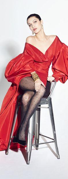 Alexandre Vauthier Fall 2017 V Alexandre Vauthier, Little Red Dress, Fashion Week, Fashion Trends, Victoria Secret Fashion, Victoria Dress, Costume, Red Skirts, Red Carpet Dresses