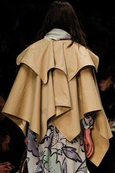 Burberry Prorsum Fall 2014 Ready-to-Wear Collection - Vogue Latest Fashion Trends, New Fashion, Runway Fashion, High Fashion, Fashion Show, Autumn Fashion, Fashion 2014, Review Fashion, Street Fashion
