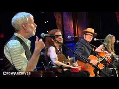 "Elvis Costello, Jesse Winchester & Sheryl Crow on bass - ""Payday"" (Spectacle) - YouTube"
