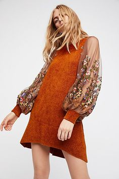 Free People's cute dresses fit every occasion! Shop online for summer dresses, sundresses, casual dresses, white boho maxi dresses & more. 70s Fashion, Fashion Week, Autumn Fashion, Fashion Outfits, Womens Fashion, Look Boho, Bohemian Style, All Jeans, Facon