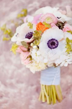 our favorite bouquets in 2012: StemsofDallas // photo by HalfOrangePhotography.com