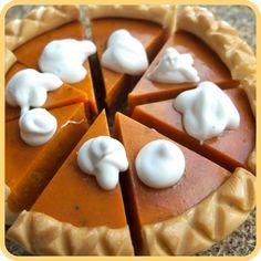 Pumpkin Pie miniature doll house food by Bananamoo  And a delicious recipie as a bonus!