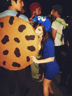 DIY couple Halloween costume! Cookie and Cookie Monster!
