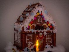 """""""Lebkuchenhaus"""" oder Hexenhaus aus Schokolade bauen"""