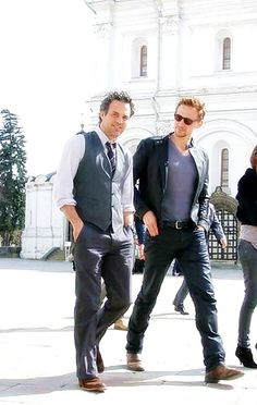 The Avengers Cast - Mark Ruffalo and Tom Hiddleston