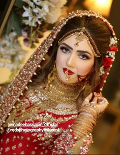 The Effective Pictures We Offer You About Bridal Outfit red A quality picture can tell you many things. You can find the most beautiful pictures that can be presented to you about Bridal Outfit honeym Indian Bridal Photos, Indian Bridal Fashion, Pakistani Bridal Makeup, Pakistani Bridal Dresses, Bridal Lehenga, Bridal Makeup Looks, Bridal Looks, Bridal Makeup Pictures, Bridal Jewellery Inspiration