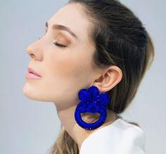 Macrame Earrings, Diy Earrings, Crochet Earrings, Hoop Earrings, Crochet Designs, Bead Art, Hair Pins, Really Cool Stuff, Crochet Projects