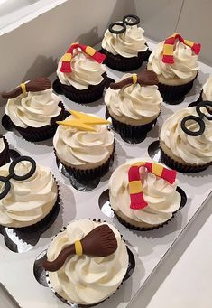 Wedding Cupcakes, Mini Cupcakes, Harry Potter Wedding, Birthday Party Themes, Desserts, Food, Kids, Skewers, Finger Foods