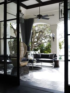 Black and white patio Pool Bar, Outdoor Rooms, Outdoor Living, Outdoor Areas, Sweet Home, Interior And Exterior, Interior Design, Design Interiors, Home And Deco