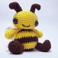 Boo the Bee amigurumi crochet pattern by Sweet N' Cute Creations