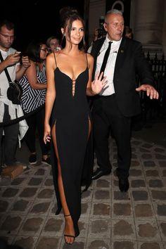 Emily Ratajkowski attends the Vogue Foundation Dinner, during Paris Fashion Week - Haute Couture Fall/Winter on July 2017 in Paris, France. Sexy Dresses, Beautiful Dresses, Prom Dresses, Emrata Instagram, Emily Ratajkowski Style, Emily Ratajkowski Paris, Estilo Jenner, Estilo Glamour, Celebs