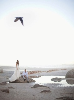 South Africa wedding, so gorgeous. {shot by Rensche Mari, via Junebug Weddings} South Africa Honeymoon, Bride Groom Poses, Africa Destinations, South African Weddings, Heavenly Places, When I Get Married, Out Of Africa, Couples In Love, Beautiful Beaches