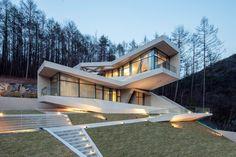 U RETREAT / Heesoo Kwak + IDMM Architects   2016 KAA(Korean Architecture Award) / Grand Prize 2016 Korean Institute of Architects Award  image © Kim Jaeyoon   Hongcheon-gun,  #SouthKorea