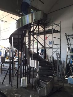 Work in progress For Concrete Staircase, Stair Handrail, Curved Staircase, Railings, Wrought Iron Stairs, Metal Stairs, Spiral Stairs Design, Staircase Design, Home Design