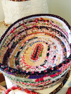 """Making a new """"End of Day"""" Quilter's Basket. These baskets are great fun to make. Whats more, it's using the strings I cut off from quilting, that would n… Scrap Fabric Projects, Fabric Scraps, Quilting Projects, Sewing Projects, Rope Crafts, Yarn Crafts, Sewing Crafts, Fabric Basket Tutorial, Rag Rug Tutorial"""