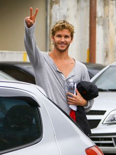 Ryan Kwanten looks relaxed and happy as he steps out for a stroll in Rio de Janeiro, Brazil. August 26, 2013.