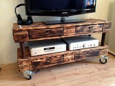 Pallet TV Stand - 10 Awesome DIY Pallet Ideas You need to Try | 99 Pallets