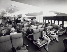 Wide seats and plenty of legroom: These old Pan Am photos show how much airline travel has changed. Pan Am, Airline Travel, Air Travel, Weird Vintage, Vintage Ads, Aircraft Interiors, Excursion, Vintage Airplanes, Vintage Travel Posters
