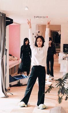 screenshot gallery of hottest popular celebrities J Pop, South Korean Girls, Korean Girl Groups, Divas, Blackpink Members, Jennie Kim Blackpink, Blackpink Photos, Blackpink Fashion, Female Singers