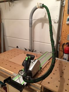 (1) Dust Extraction Hose & Power Cord Management