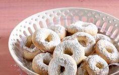 Τραγανά κουλουράκια Ηπείρου - Γλυκά - Κλασικά+αγαπημένα | γαστρονόμος Onion Rings, Bagel, Doughnut, Cookies, Bread, Ethnic Recipes, Desserts, Easter, Food