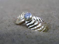 14k gold ring, 0.65ct brilliant made by Loenstrup Smykke Design - Nynne Kegel - Lønstrup
