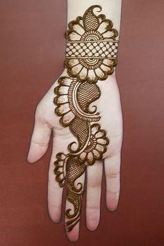 Easy henna design for hands. Easy henna design for hands. Easy henna design for hands. Easy henna design for hands. Round Mehndi Design, New Bridal Mehndi Designs, Mehndi Designs Finger, Mehandhi Designs, Back Hand Mehndi Designs, Simple Arabic Mehndi Designs, Henna Art Designs, Mehndi Designs For Girls, Mehndi Designs For Beginners